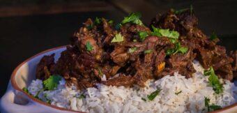Curry met hazenbout uit de dutch oven