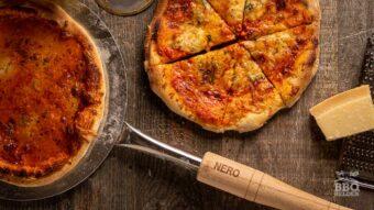 4 kaas pizza uit de Nero pizzaoven