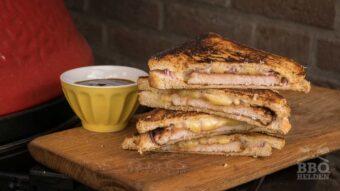 bbq tosti met varkens schnitzel