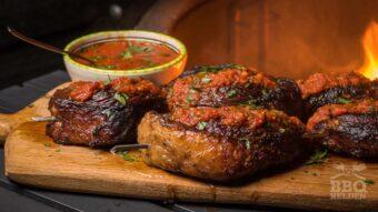 Gemarineerde picanha steaks met geroosterde tomatensaus