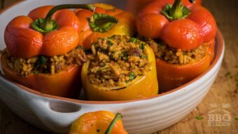 Gevulde paprika met rijst en spek