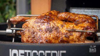 Baharat kip aan het spit