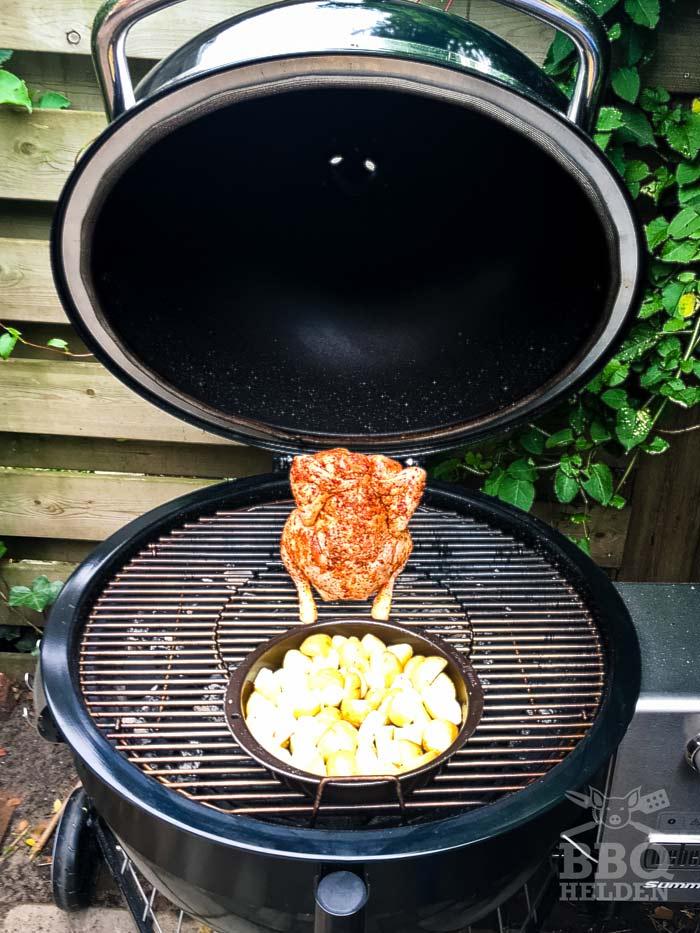 beer-can-chicken-indirect-op-de-barbecue