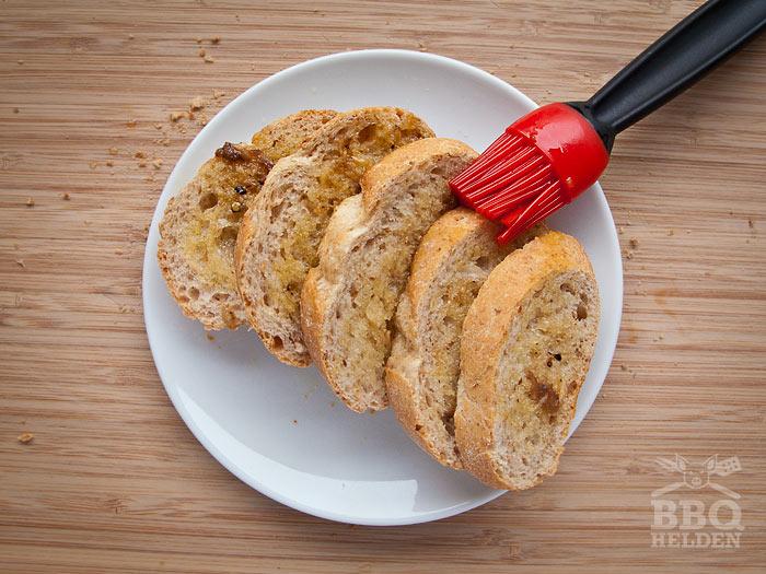 brood-ingesmeerd-met-ansjovis-dressing