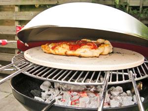 de-eerste-pizza-bijna-klaar