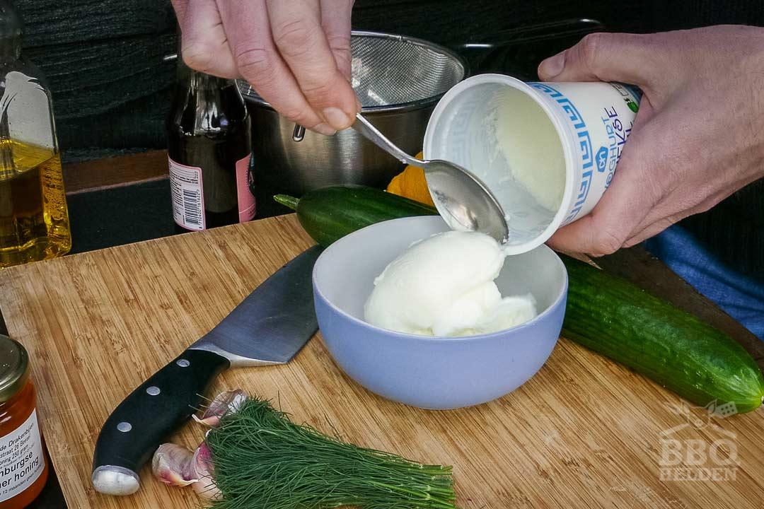griekse stijl yoghurt voor de tzatziki