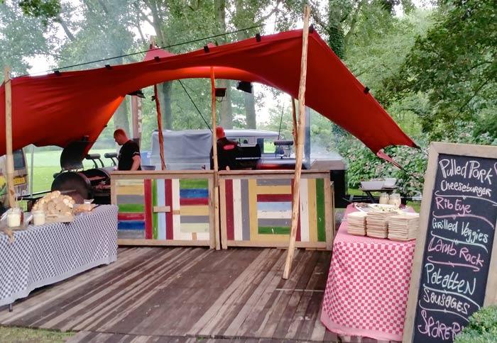 grillnSmoke-in-tent