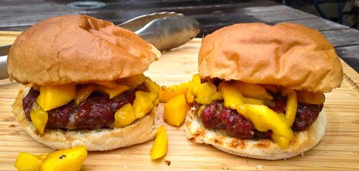 hamburger-met-gegrilde-mango-feature