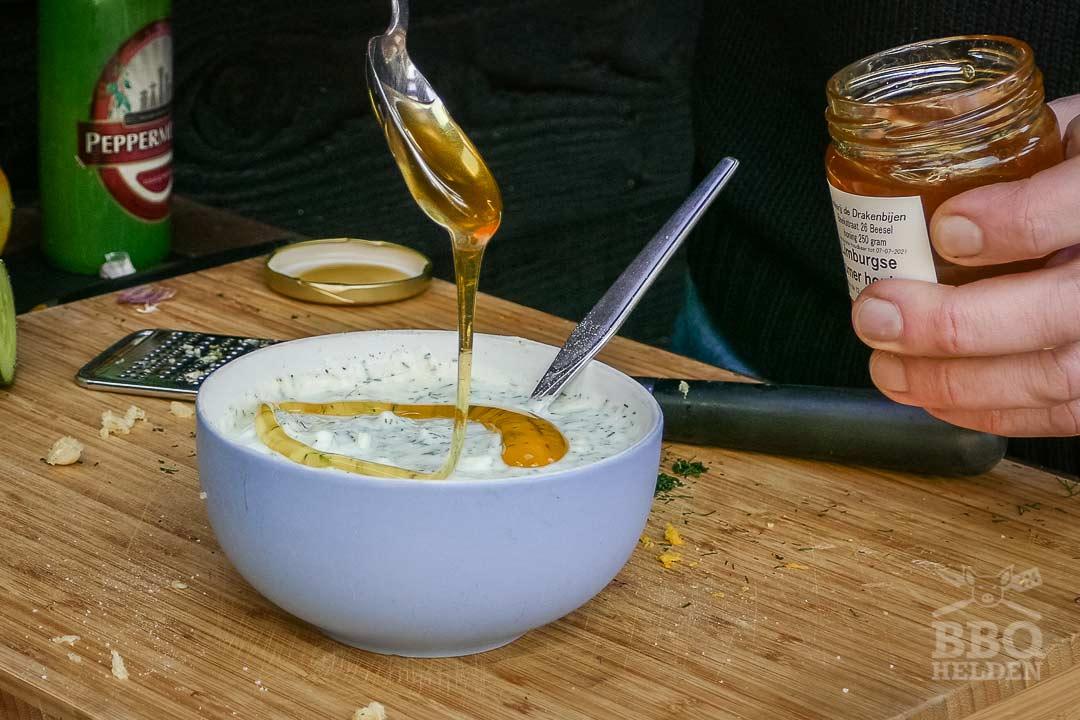 honing in de tzatziki