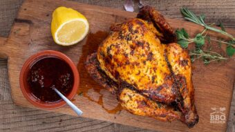 Kip aan het spit in paprika olie
