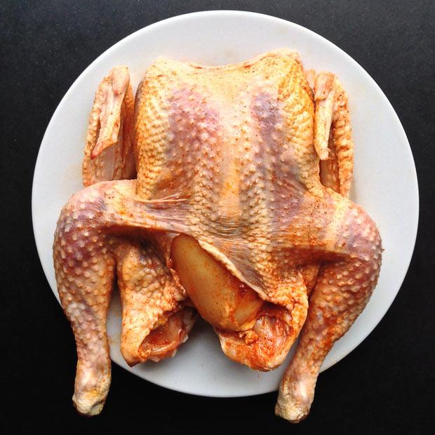 kip-in-de-marinade-onder-het-vel