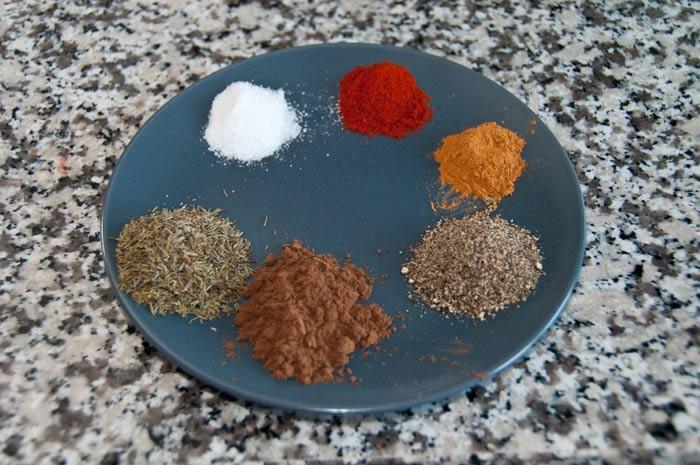 kruiden-en-specerijen-voor-jamaicaanse-kip