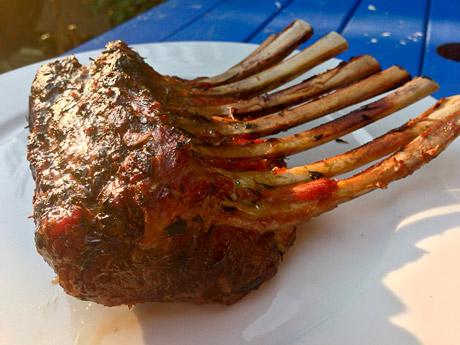 lamsrack-van-de-barbecue