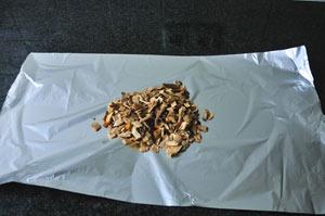 maken-van-foliebol-met-rookhout