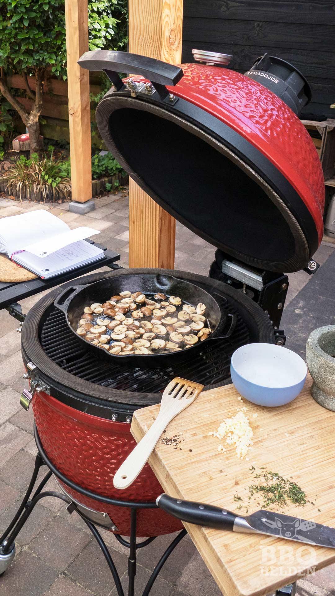 Champignon pepersaus – BBQ helden in 2020 | Pepersaus, Bbq