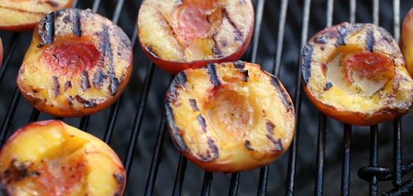 perzik-op-de-barbecue
