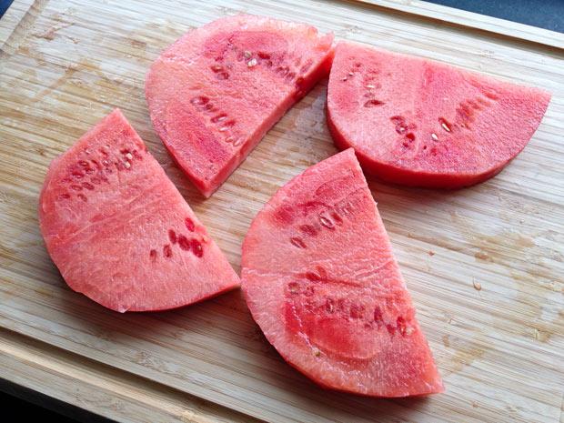 plakken-watermeloen-door-de-helft
