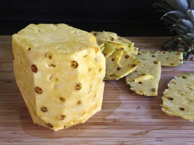 schillen-van-de-ananas